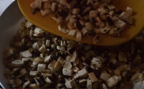 начинка-для-блинов-с-грибами-и-яйцом-1