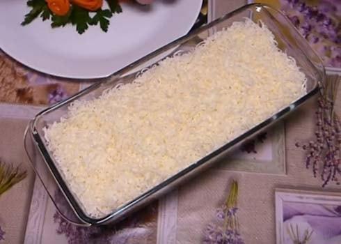 классический-салат-мимоза-с-сайрой-6