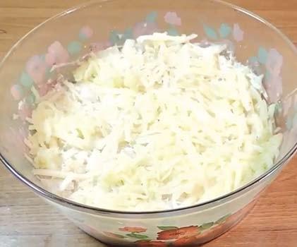 салат-мимоза-из-консервов-горбуши-4