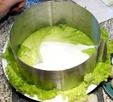 салат-мимоза-с-консервированным-тунцом-рецепт-1