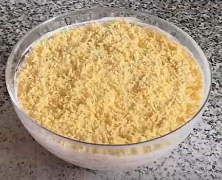 салат-мимоза-с-копченой-горбушей-7