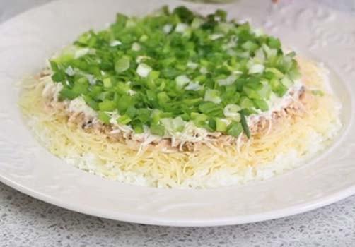 салат-мимоза-с-маслом-и-сыром-6