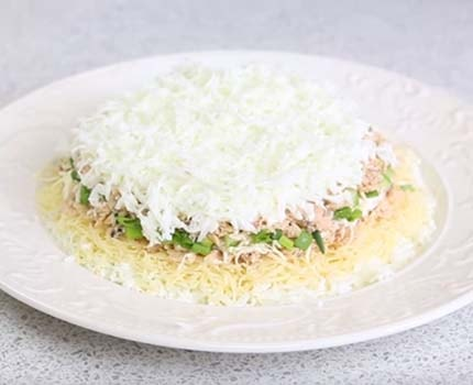 салат-мимоза-с-маслом-и-сыром-8