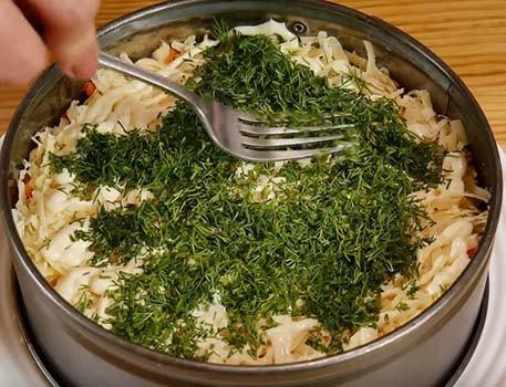 салат-мимоза-с-сайрой-и-сыром-11