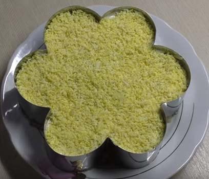салат-мимоза-с-тунцом-рецепт-9