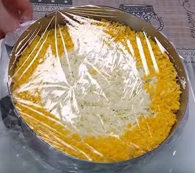 салат-мимоза-со-шпротами-8