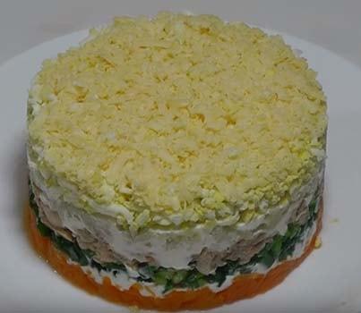 салат-мимоза-со-сливочным-маслом-и-сыром-14