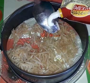 салат-мимоза-со-сливочным-маслом-рецепт-1