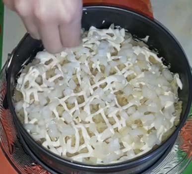 салат-мимоза-со-сливочным-маслом-рецепт-6