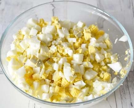 салат-подснежник-с-сыром-и-зеленью-3