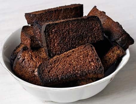 домашний-квас-из-черного-хлеба-1