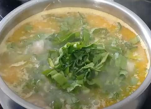 щавелевый-суп-с-тушенкой-5