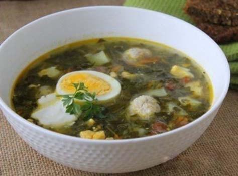 зеленый-суп-с-щавелем-и-яйцом-5