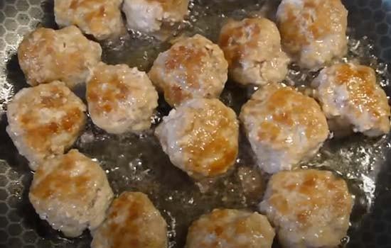 кабачковый-суп-с-фрикадельками-4