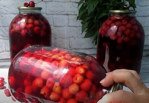 компот-из-вишни-и-малины-9