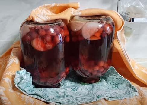 компот-из-вишни-и-яблок-12