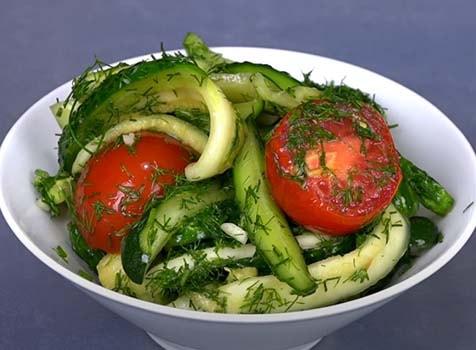 малосольный-салат-огурцы-помидоры-7