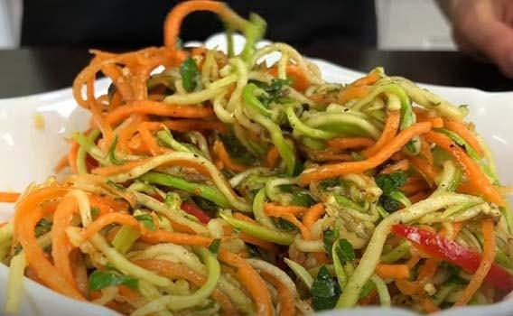острый-салат-из-кабачков-по-корейски-8