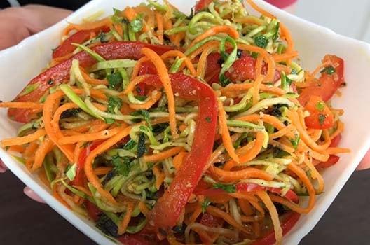 острый-салат-из-кабачков-по-корейски-9