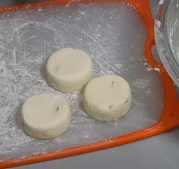 пышные-сырники-на сковороде-7