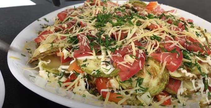 салат-из-кабачков-с-помидорами-9