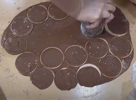 шоколадные-вареники-с-вишней-5
