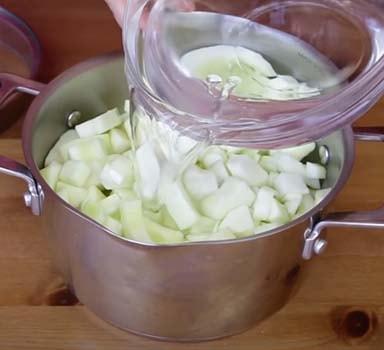суп-пюре-из-кабачков-со-сливками-и-плавленым-сыром-2