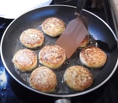 сырники-с-кокосовой-стружкой-4