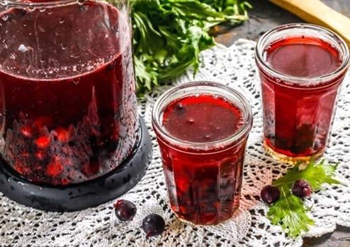 вишневый-компот-с-черной-смородиной-8