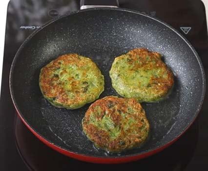 кабачковые-оладьи-без-яиц-9
