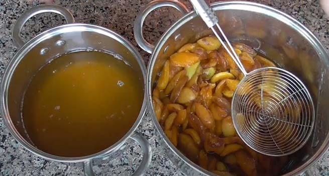 абрикосовое-варенье-с-грецкими-орехами-3