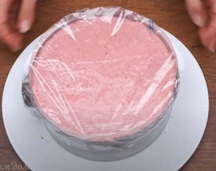 клубничный-муссовый-торт-с-творогом-16