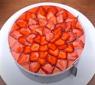 клубничный-муссовый-торт-с-творогом-19