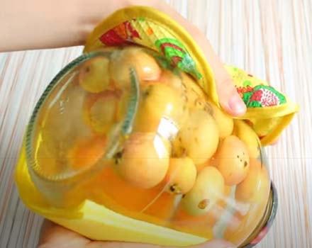 компот-из-абрикосов-с-яблоками-4