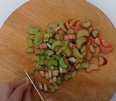 компот-из-яблок-и-ревеня-2