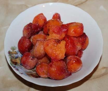 компот-из-замороженных-абрикосов-1
