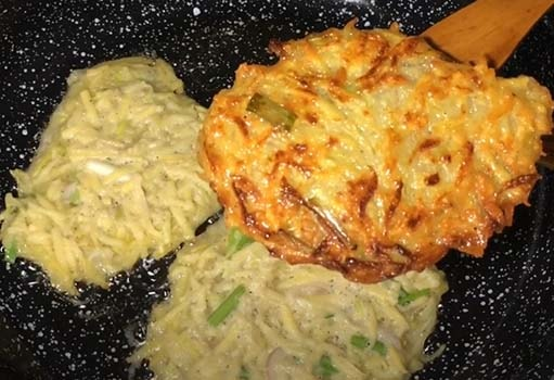 оладьи-из-кабачков-и-картофеля-8