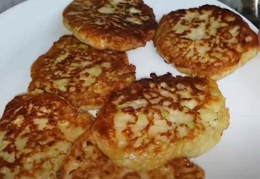 оладьи-из-кабачков-с-сыром-и-чесноком-8