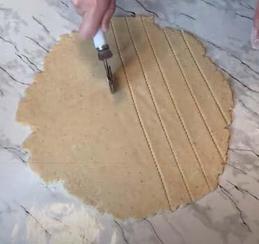 пирог-с-вишней-из-песочного-теста-10