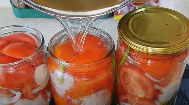 салат-из-красных-помидоров-и-лука-5