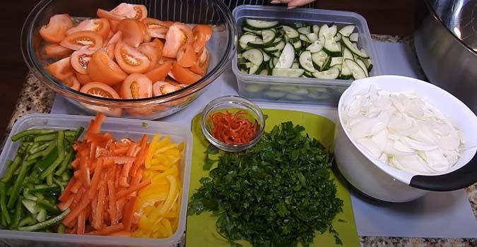 салат-острый-с-зелеными-помидорами-1