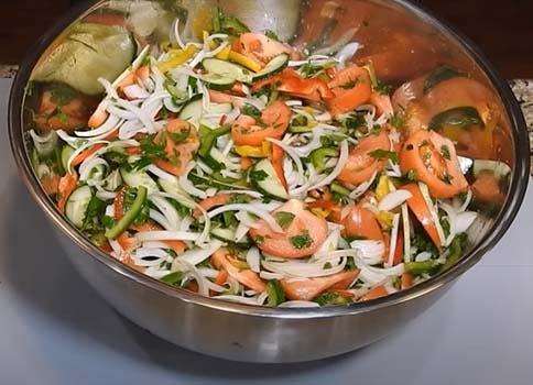 салат-острый-с-зелеными-помидорами-2