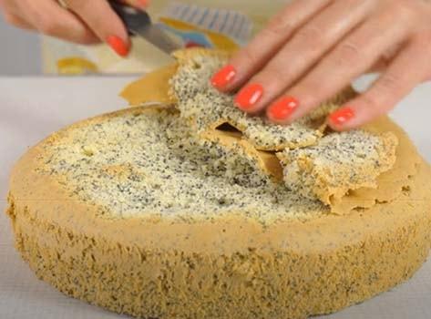 творожный-торт-с-клубникой-без-выпечки-12