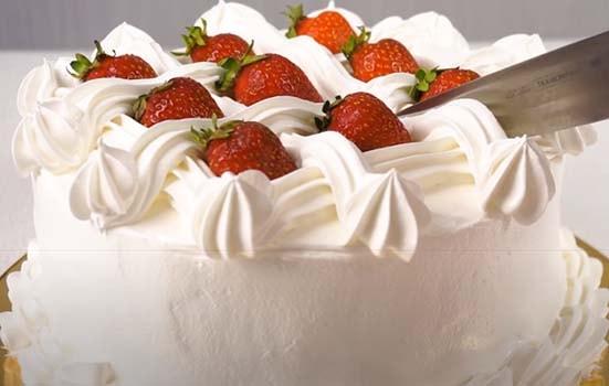 творожный-торт-с-клубникой-без-выпечки-22