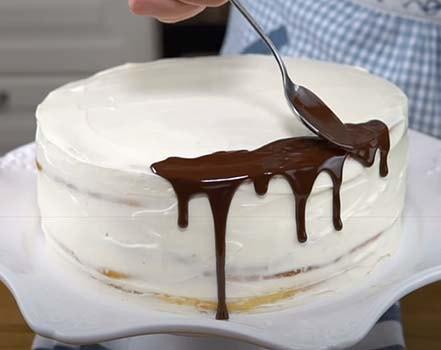 торт-молочная-девочка-с-клубникой-12