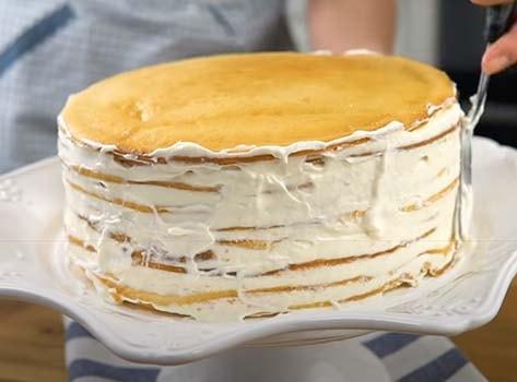 торт-молочная-девочка-с-клубникой-9