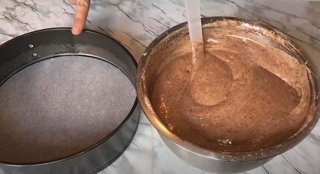 торт-с-клубникой-и-шоколадом-3
