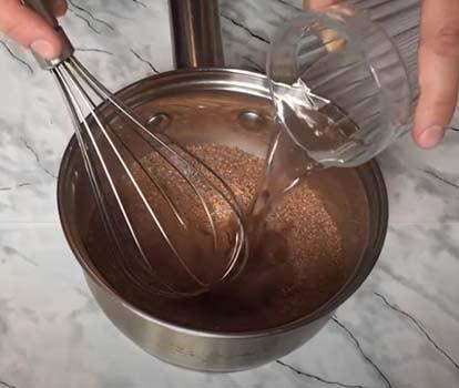 торт-с-клубникой-и-шоколадом-4