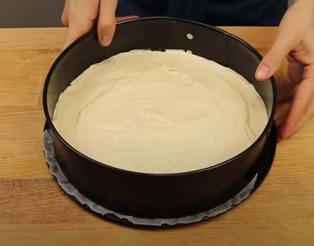 торт-с-заварным-кремом-и-клубникой-4