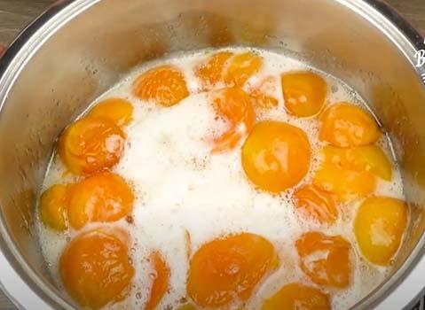 варенье-из-абрикосов-с-миндальными-хлопьями-2